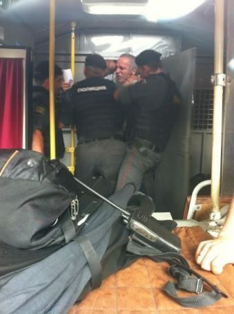 kasparov-arrested.